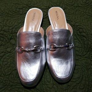 NWOT Merona Metallic silver mules size 10w